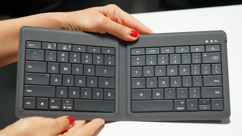 Microsoft-Universal-Foldable-Keyboard-Unik-Bisa-Dilipat-Seperti-Buku