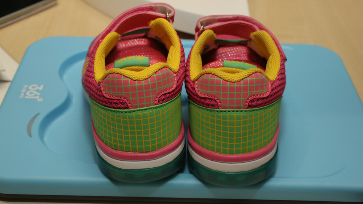 mediatek-361-smart-kid-shoe-10