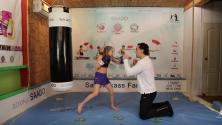 سرعة هذه الفتاة في الملاكمة تفوق التصورات