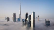 جهاز أيفون يصور سقوطه من أحد أبراج مدينة دبي