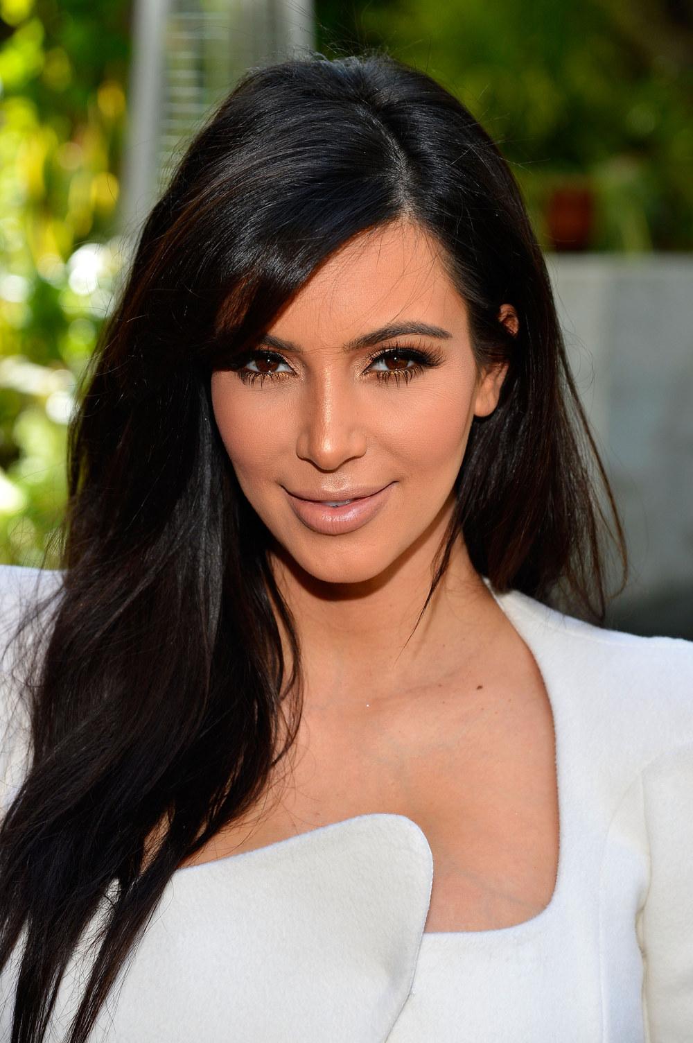 kim-kardashian-199369_w1000