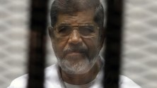 الحكم على الرئيس المصري الأسبق محمد مرسي بالإعدام