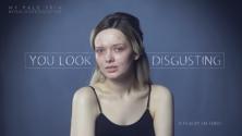 شخصية يوتيوب تتعرض للشتم بعد نشرها لصورها الحقيقية