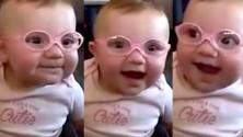 ردة فعل طفلة ترى والديها لأول مرة بوضوح