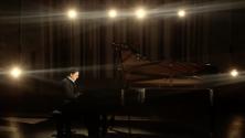 عزف رائع للنشيد الوطني المغربي على البيانو من طرف مروان بنعبد الله