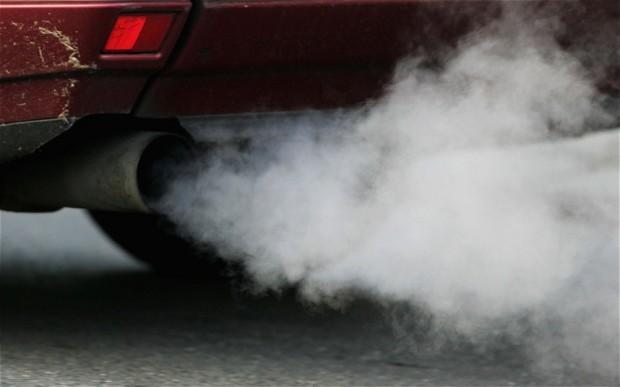 car-exhaust_2485955b