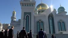 فلاديمير بوتين يفتتح أكبر مسجد في أوروبا