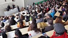 طلبة مغاربة يتفاجؤون بتخفيض عدد منح الاستحقاق المتعلقة بالمدارس العليا للمهندسين الفرنسية