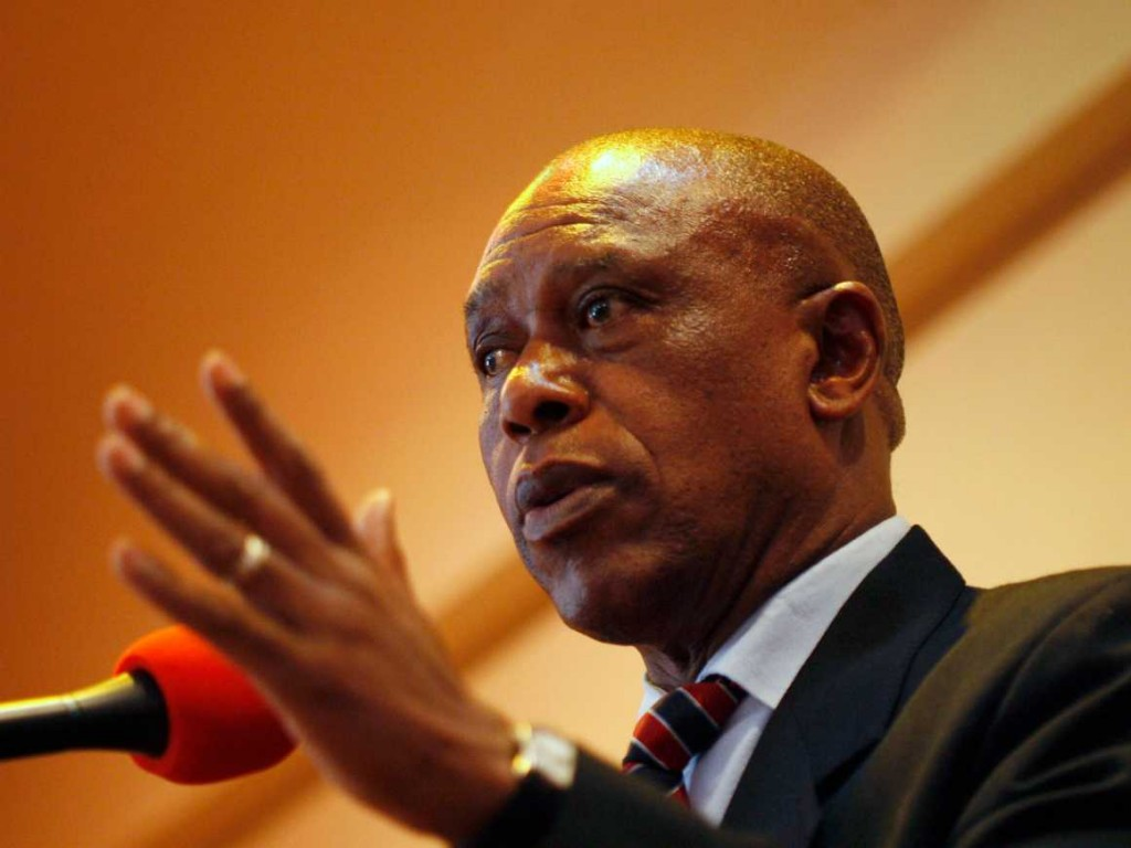 tokyo-sexwale-meet-the-billionaire-diamond-magnate-who-went-to-jail-with-nelson-mandela