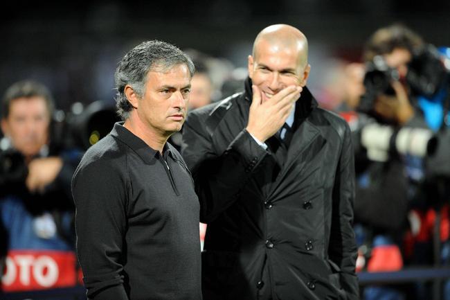 zidane-entraineur-des-moins-de-18-ans-du-real-madrid-iconsport_jpt_021111_05_03,50215