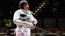 سابقة : أول بطلة مسايفة أمريكية ترتدي الحجاب ستشارك في أولمبياد ريو القادم