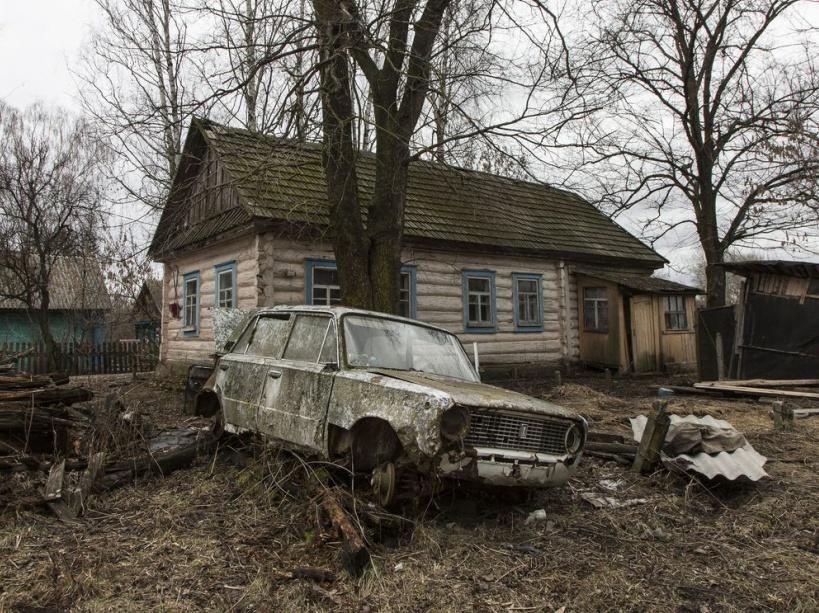 An abandoned house in Bolotnitsa town after Chernobyl's disaster. Bolotnitsa, Zhytomyrs'ka region, UKRAINE - 02/03/2016. /VALEROQUINTINA_UKR.033/Credit:Quintina Valero/SIPA/1604112020