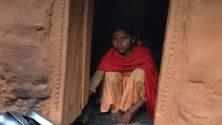 في نيبال، عزل النساء في الحظائر بسبب النجاسة