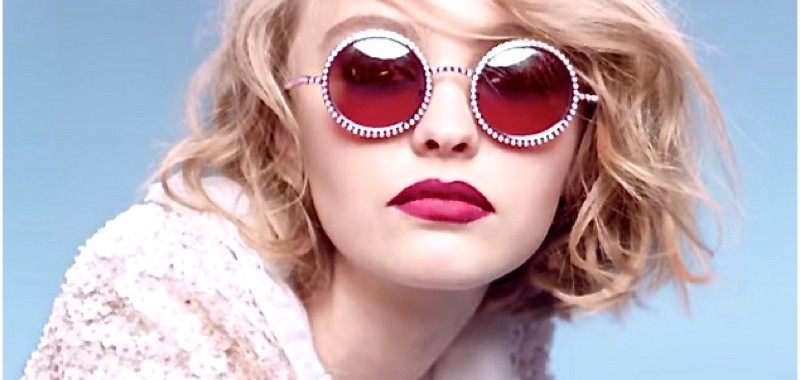 borninfashion-lily-rose-depp-chanel-capture-youtube-800x380