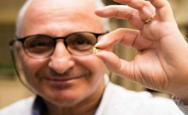 مخترع مغربي يبتكر شريحة ذكية تمكن من شحن الهاتف في 10 دقائق !