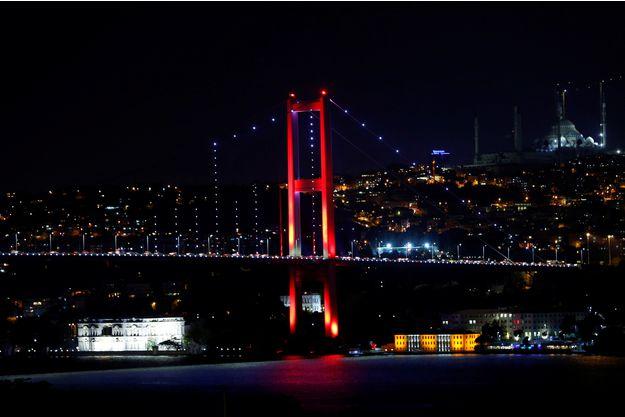 Une-tentative-de-coup-d-Etat-en-Turquie