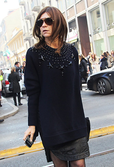 carine-roitfeld-star-sweater-full_20120227_1032680511