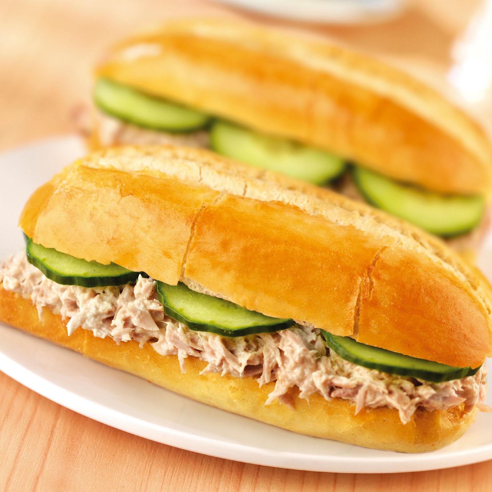 sandwich-au-thon-et-concombres