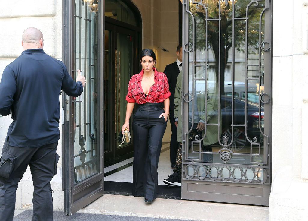 kim-kardashian-a-paris-le-25-septembre-2014_exact1024x768_l