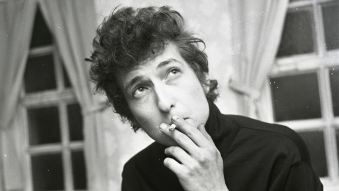 Mandatory Credit: Photo by Local World/REX/Shutterstock (5460086o) Bob Dylan pictured backstage at De Montfort Hall. 2 May 1965. Leicester Mercury