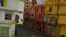 شاب مغربي يصمم مجسماً مصغراً من الكرتون لحي من أحياء الدار البيضاء
