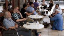 9 أشخاص من المستحيل ألا تصادفهم في المقاهي المغربية
