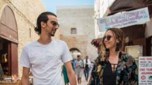 بالصور، عندما يمتزج الحب بأنغام مهرجان ڭناوة -عدسة محمد بكير-