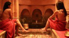 7 ميزات مثيرة تجذب النساء إلى اختيار الحمام المغربي التقليدي