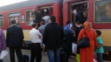 10 أشياء تحصل عندما تسافر في القطارات المغربية وقت الذروة