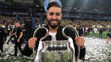 من هو الشاب المغربي الذي رفع كأس عصبة الأبطال الأوروبية رفقة ريال مدريد في ملعب كييف؟