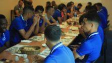 سابقة في تاريخ كرة القدم المغربية.. فندق يحتجز فريقا مغربيا يمارس في القسم الأول ويمنعه من المغادرة قبل الأداء