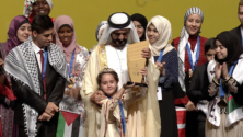 """الطفلة مريم أمجون، أصغر مشاركة في المسابقة، تتوج بجائزة """"تحدي القراءة العربي"""""""