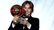 لوكا مودريتش يحرز كرة فرانس فوتبول الذهبية بعد جائزة The best