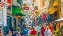 فيديو : المئات من المصابين بفيروس كورونا يتجولون في شوارع طنجة
